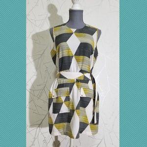 Le Chateau Geometric Print Sleeveless Shift Dress